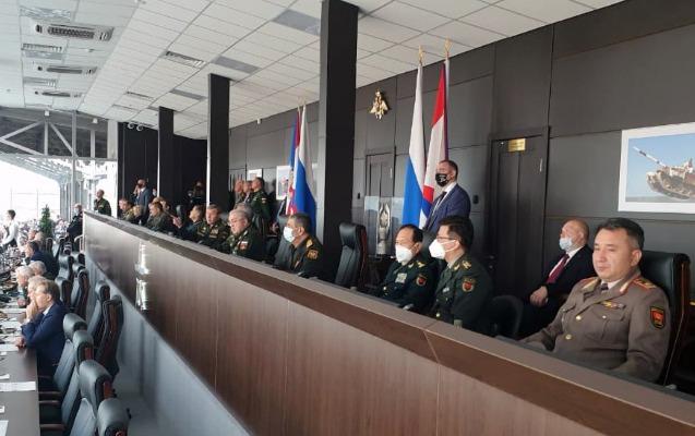 """Zakir Həsənov Moskvada """"Tank biatlonu""""nun finalını izlədi - FOTOLAR"""