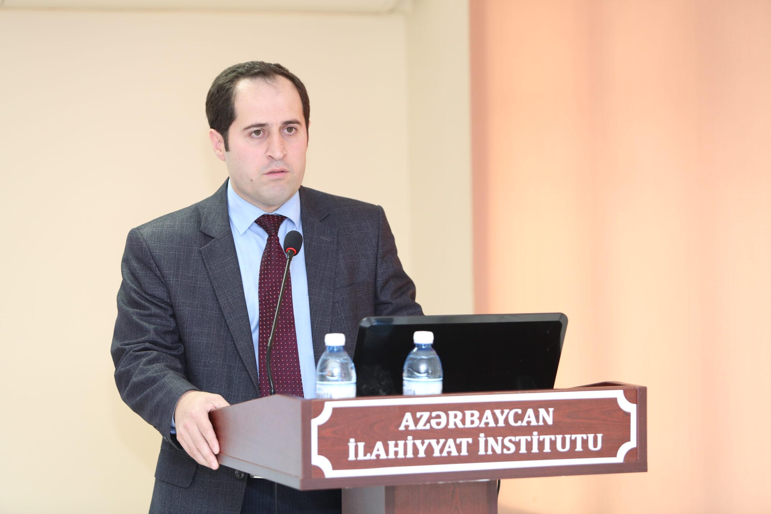"""Azərbaycan İlahiyyat İnstitutunun müəllimi """"Arabi21"""" saytına müsahibə verib - FOTO"""