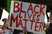 """Bu il incəsənət dünyasına ən çox təsir edən """"Black Lives Matter"""" hərəkatı olub"""